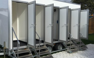 4 berth luxury shower trailer