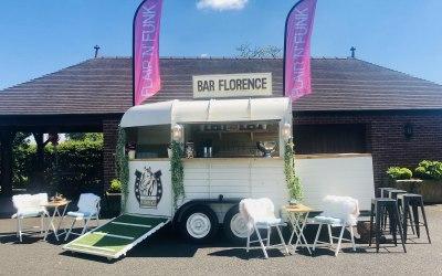 'Florence' Vintage Horse Box Bar
