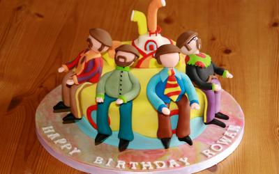 Wondrous Designer Baker Cake Makers Norfolk Funny Birthday Cards Online Alyptdamsfinfo