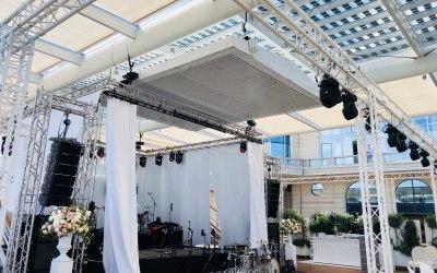 Full rigging, sound & lighting