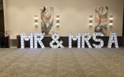 Mr & Mrs 4ft Light letters