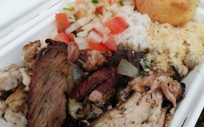 BBQ Box, with black beans, rice and cheese bread