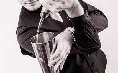 Flair bartenders