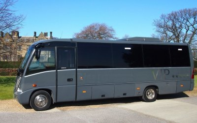 22 seat Vip limousinelandyacht