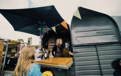 We have 3 horsebox bars available, all identical