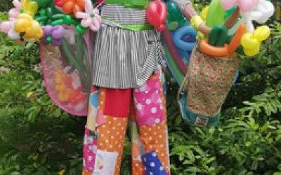 Balloon twister on stilts scotland