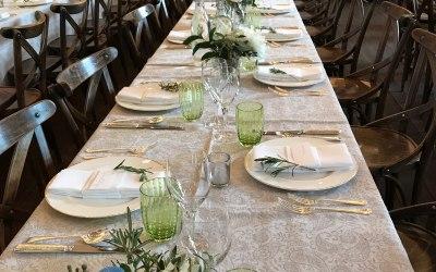 Relaxed wedding dinner