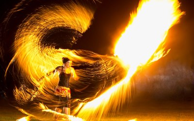 (Impressive fire photo with large fire ball)