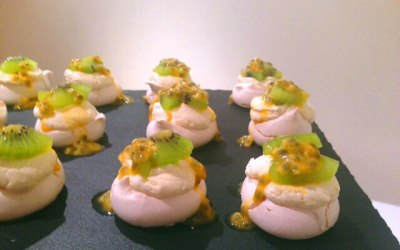 Exotic fruit pavlovas