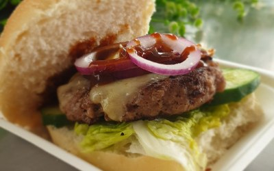 Simple homemade cheeseburger