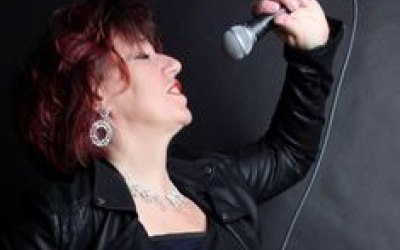Mrs Peel Band 3