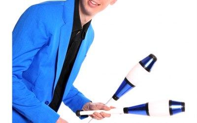 Comedy juggler