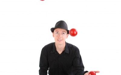 Speciality juggler