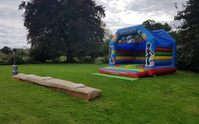 DM Inflatables & Party Services  5