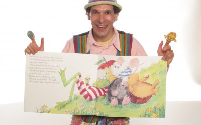 Squiggle the Story-Teller