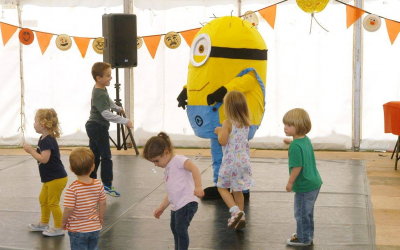 Minion parties. Minion meet and greets