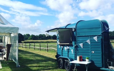 Beatiful horsebox trailer from where we can serve street food and much more!