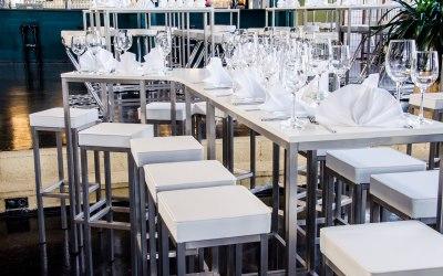 White Bar Table, Fluctus 360 Star, Square Bar Stool White
