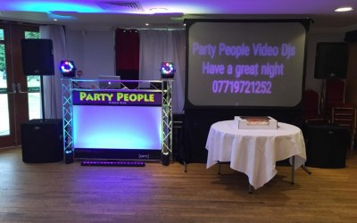 6ft x 4ft Video Screen + DJ Booth