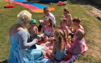 Elsa Summer Time Story