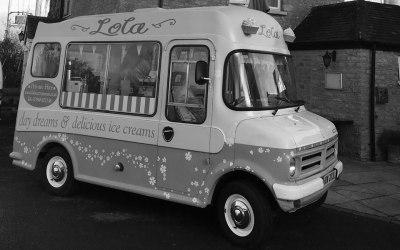 Lola Vintage Ice Cream Van 4