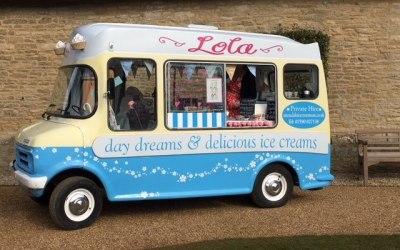 Lola Vintage Ice Cream Van 1