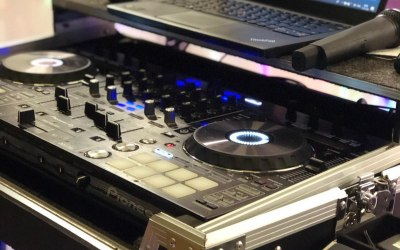 Pioneer DJ Controller (Only the best)