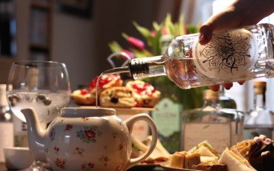 Add a gin package to your afternoon tea