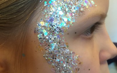 Festival glitters and gem clutters to add sparkle to your event