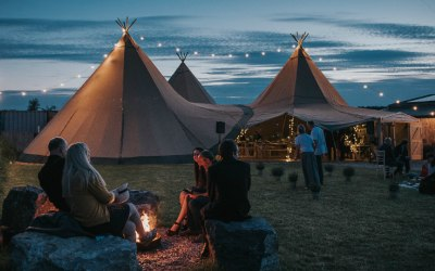Tipi Festoons in actions