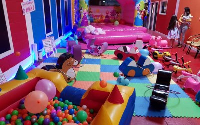 Kidz Bouncy Castles & Soft Play Hire Specialists 2