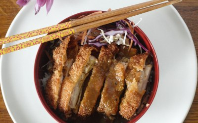 Mild & sweet with hearty portions of breaded panko chicken, served on fluffy white rice. A Samurai original that never fails to deliver!