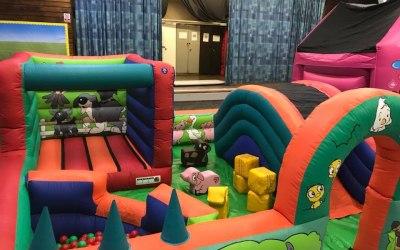 Beckenham Bouncy Castles  4