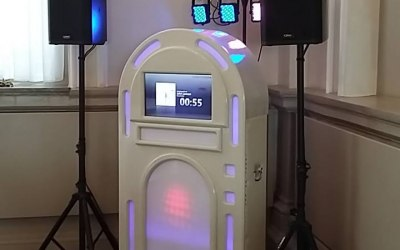 TouchScreen Jukebox Hire 1