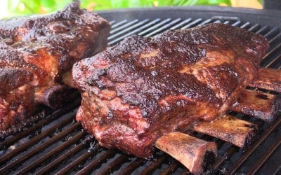 EXTRA LARGE BEEF SHORT RIBS SMOKED FOR 7HRS