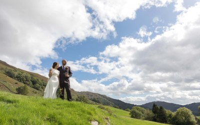 Natural wedding photography in a creative way