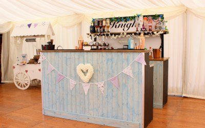 Mobile Bar Shabby Chic.Knights Mobile Bars Mobile Bars East Sussex