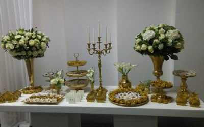 gold seet treat table