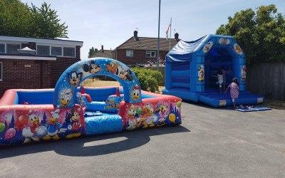 Bouncy bouncy boo castle hire 2