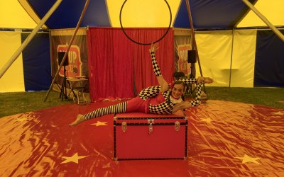Acrobatic Doll Act