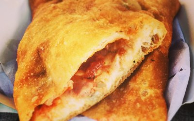Pizza fritta - yes, fried pizza