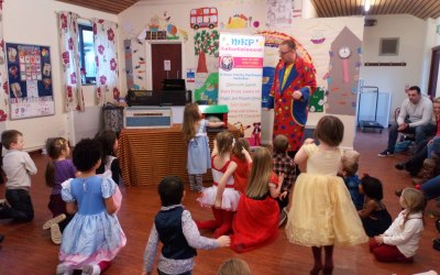 30 - 45 minute Professional Childrens Magic & Puppet Show