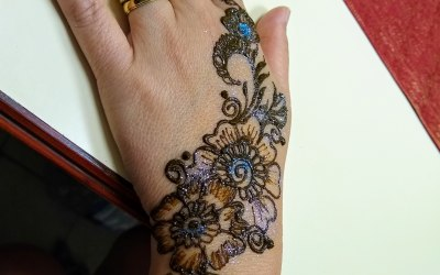 Ruby Henna and Face Painting 9