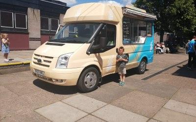 Buttercup Vintage Ice Cream Van 4
