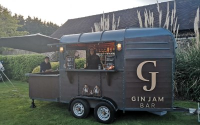 Cheshire Mobile Gin Bar Horsebox