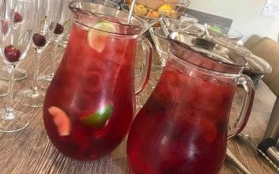 Jugs of Mocktail/Cocktails
