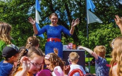 Magic Hayley thrills the crowds