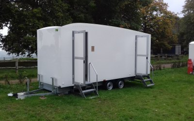 Loos for Hire 6