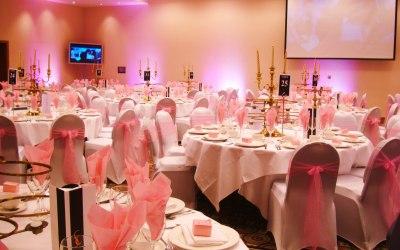 Table setup pink