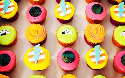 Neon 80s inspired cupcakes